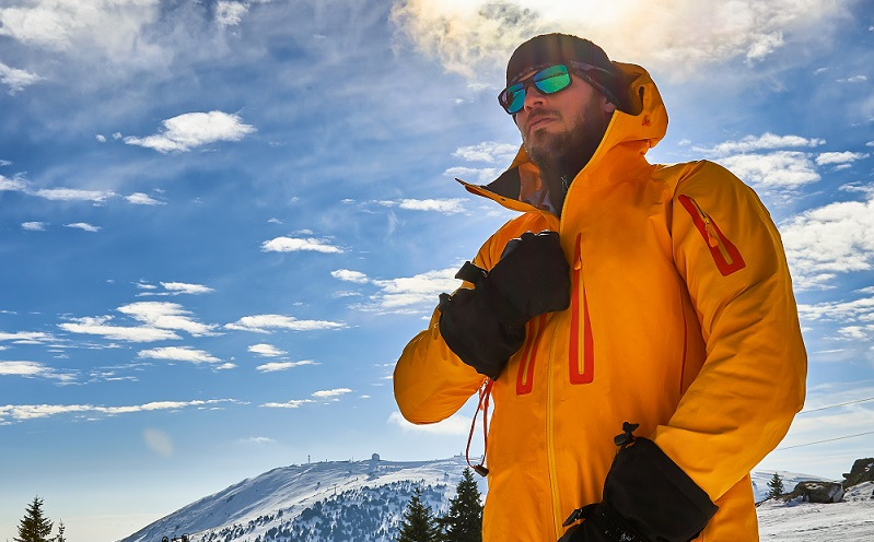 Best Ski Jackets 2021 The 7 Best Ski Jackets   [2020/2021 Reviews] | Outside Pursuits