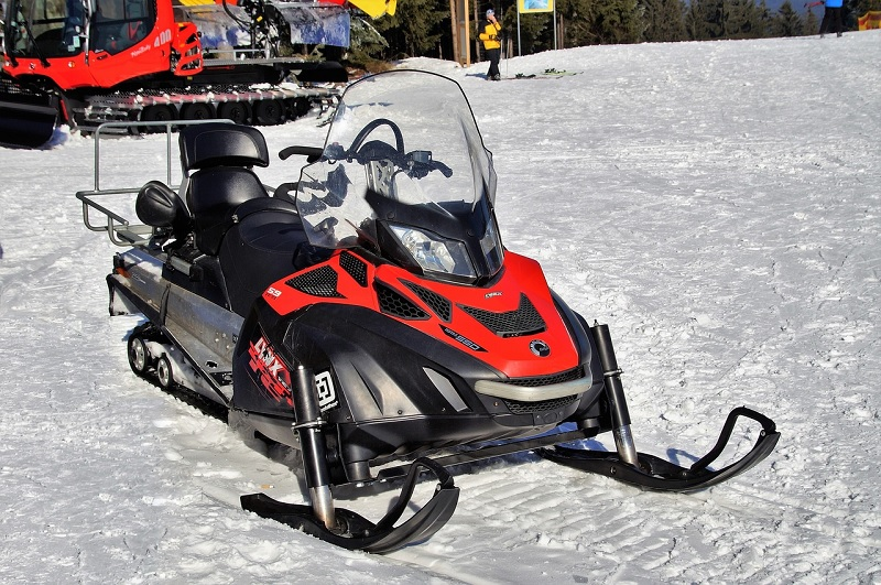 beginner snowmobile