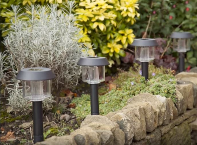 The 5 best solar garden landscape lights reviewed 2018 best solar garden and landscape lights aloadofball Image collections