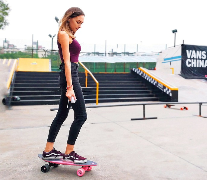 The 7 Best Electric Skateboards Reviewed For 2019  Outside Pursuits