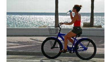 beach cruiser reviews riding on boardwalk