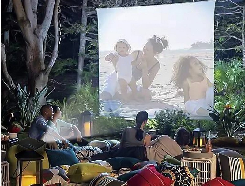 best outdoor movie projector