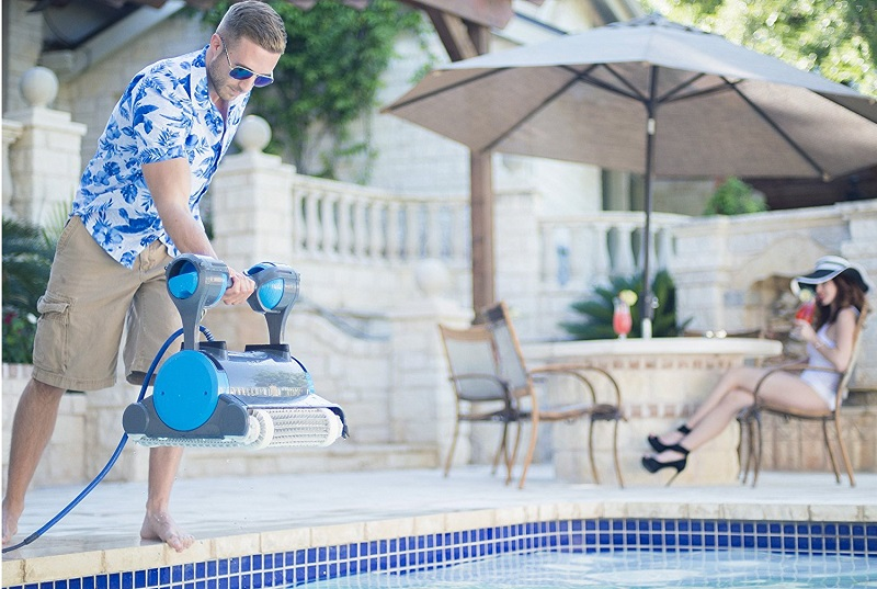 The 7 Best Robotic Pool Cleaners Reviewed For 2019