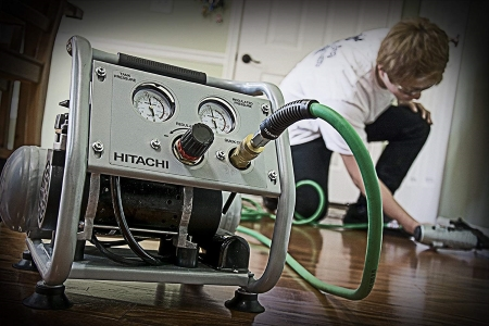 Hitachi-EC28M-Oil-Free-Portable-Compressor specs