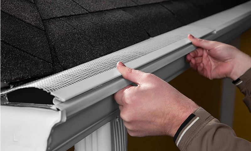 Best Gutter Guards 2020.The 7 Best Gutter Guards Reviews Guide 2020 Outside