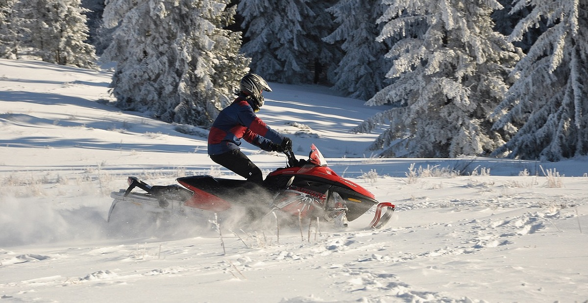 How to Maintain a Snowmobile